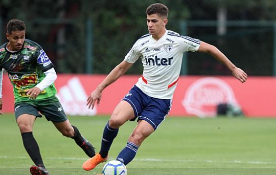 Resultado de imagem para São Paulo vence jogo-treino com gols de Vitor Bueno e Diego