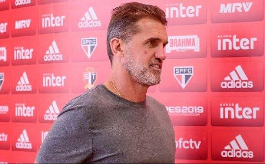 Com polêmica, São Paulo vence o Ituano no Pacaembu